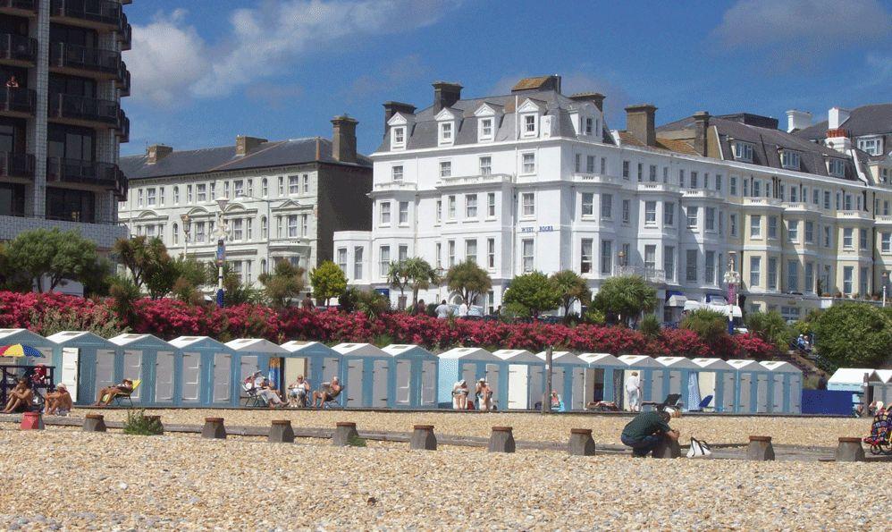 Eastbourne - kursy językowe - Almatramp