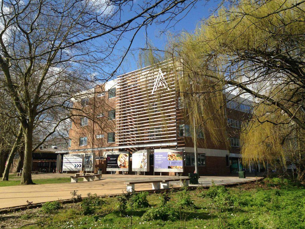 Almatramp - Kursy językowe - Oxford